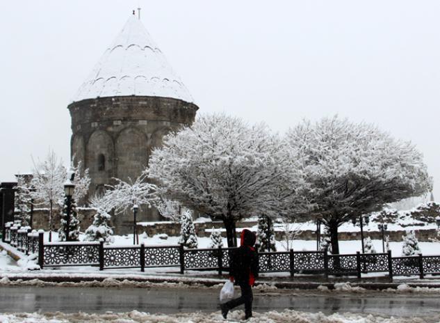 Erzurum'da kar manzaraları