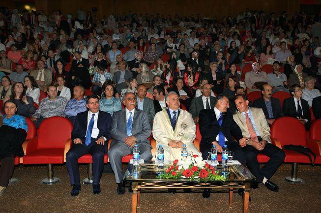 AÜ'den 180 Doktor daha mezun oldu