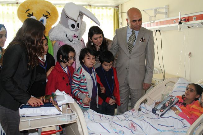 Başkan korkut hasta çocukları unutmadı