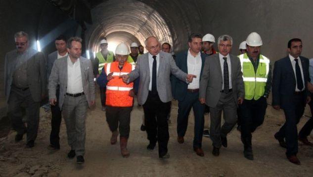 Büyükşehir'in meclis üyeleri, tünelleri inceledi