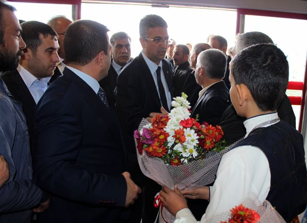 MHP'li adaylar coşkuyla karşılandı