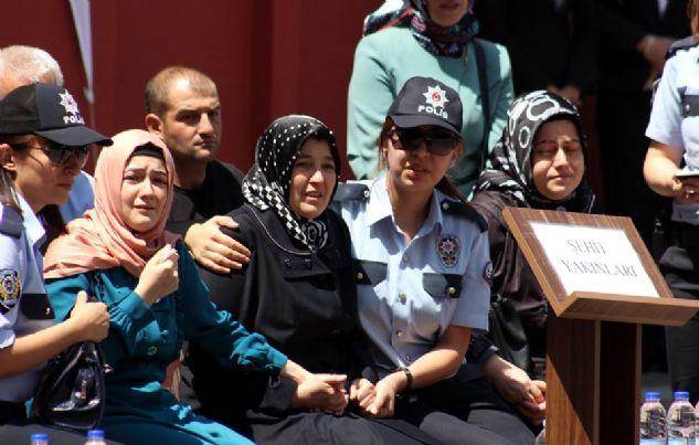 Şehit polisin Erzurum'da düzenlenen cenaze töreni bakanları ağlattı