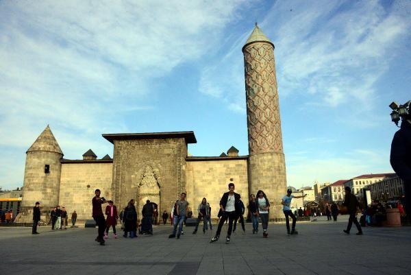 Erzurum'da Şubat ayında bahar sıcağı