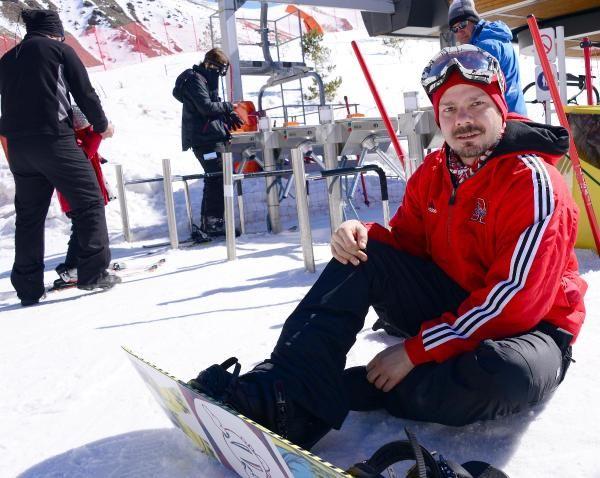 Ünlü oyuncu Alp Korkmaz Palandöken'de