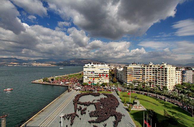 2400 kişi Atatürk'ün parçası oldu