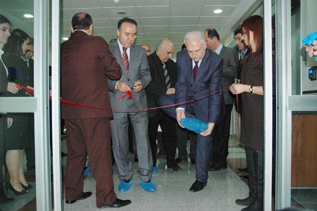 AÜ'de kemik iliği ve kök hücre merkezi açıldı