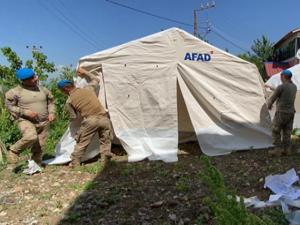 Bingöl'de 'Mehmetçik' çadır kurma mesaisinde