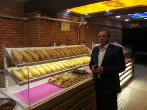 Karataş'tan 'Askıda Ekmek' kampanyasına destek